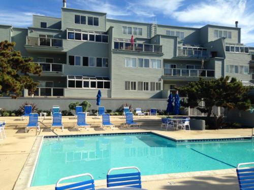 Seascape One Pool Area CU